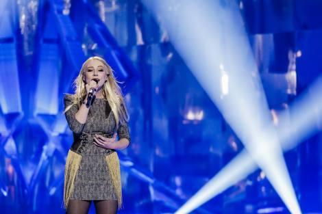 ManuElla of Slovenia singing Glas at EMA 2018 Eurovision