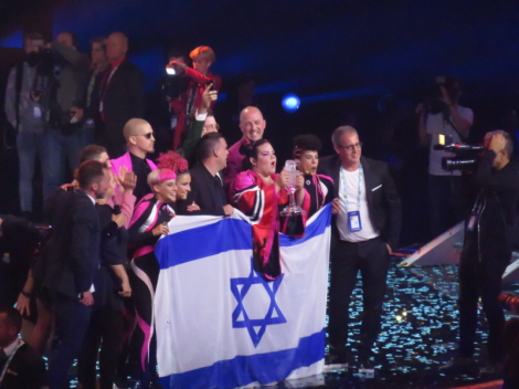 Netta with Toy wins the Eurovision Song Contest for Israel - Lisbon 2018